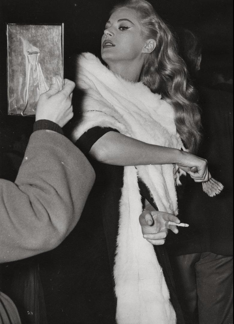 1959. Анита Экберг на съемках Сладкой жизни Феллини