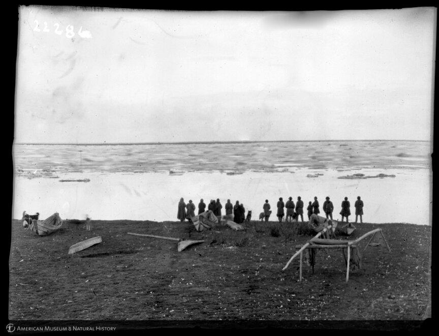 Юкагиры. На берегу. Колыма, 1900