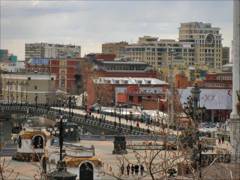 Мост у Храма Христа Спасителя
