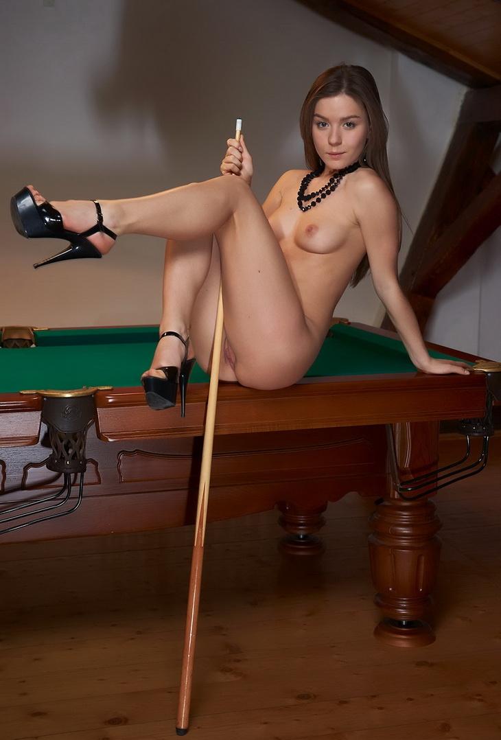 Любительница бильярда (18 фото)