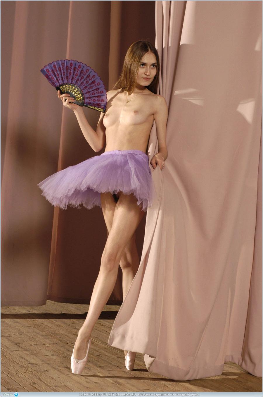 Эротический фотосет балерины (20 фото)