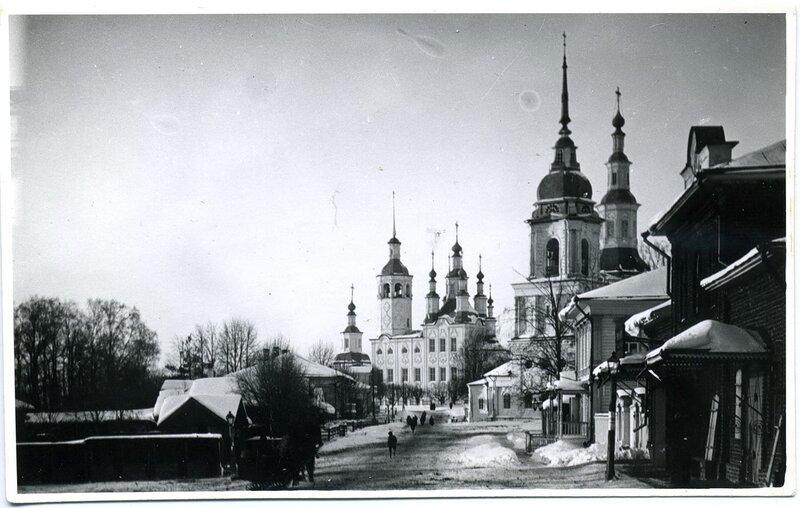 4.Церковь Параскевы Пятницы (1792 г.), Рождества Христова (1745-1791 гг.) и Входоиерусалимская Николаевская (1790 г.)