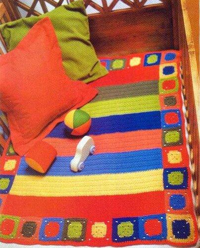 Детский полосатый коврик, связанный крючком