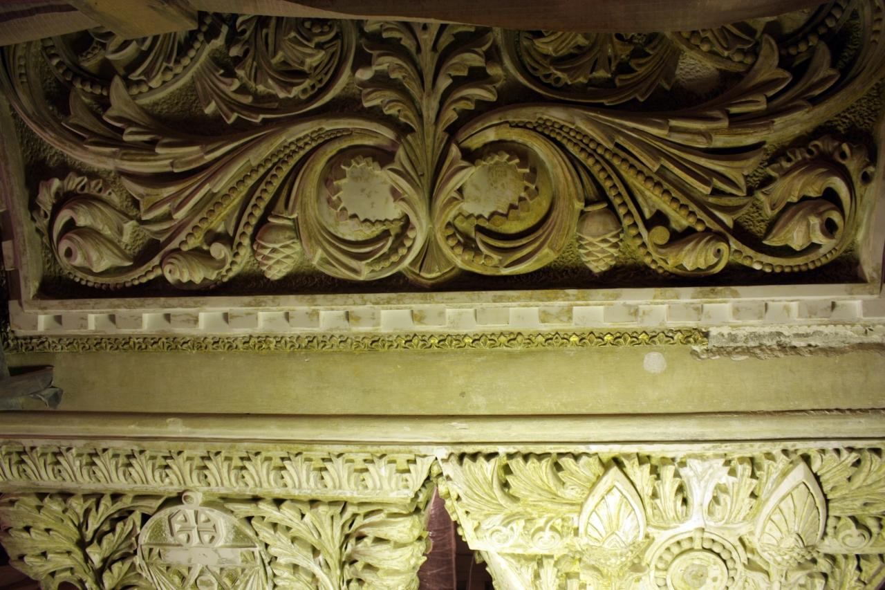 Рельефы ,в византийском стиле.