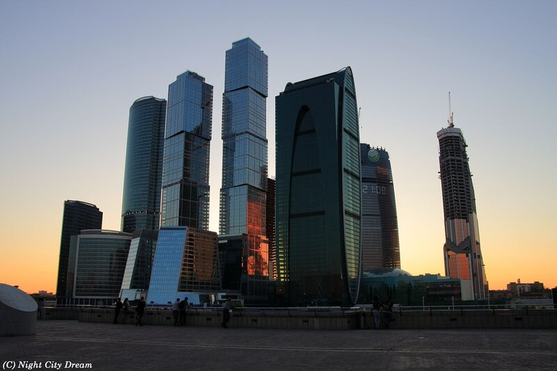 http://img-fotki.yandex.ru/get/5603/night-city-dream.a9/0_5a390_92036cb4_XL.jpg