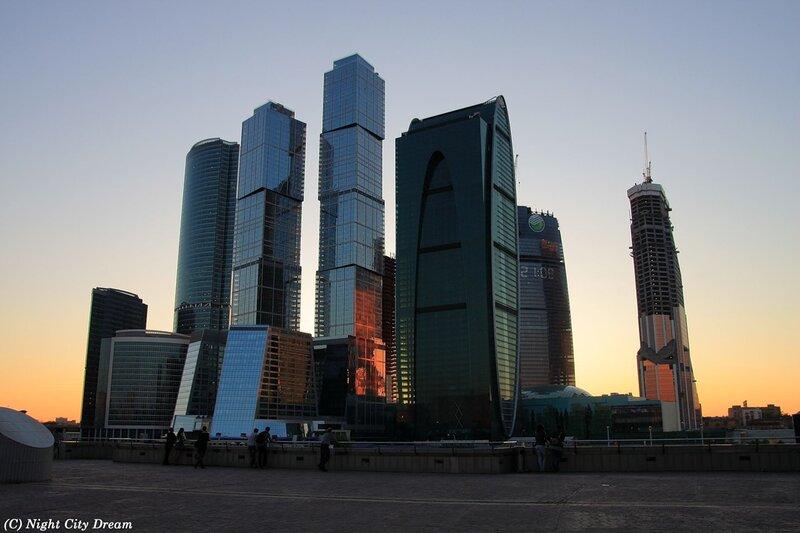 http://img-fotki.yandex.ru/get/5603/night-city-dream.a9/0_5a390_92036cb4_XL.jpg