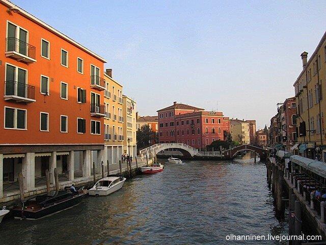 В день смеха в Венеции речные трамваи объявили забастовку