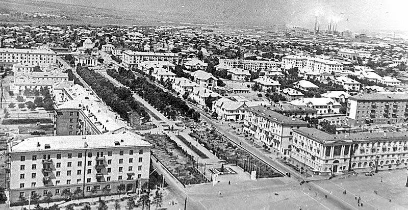 Вид на кварталы проспекта Ленина в 1960-х, из коллекции Д.Романенко