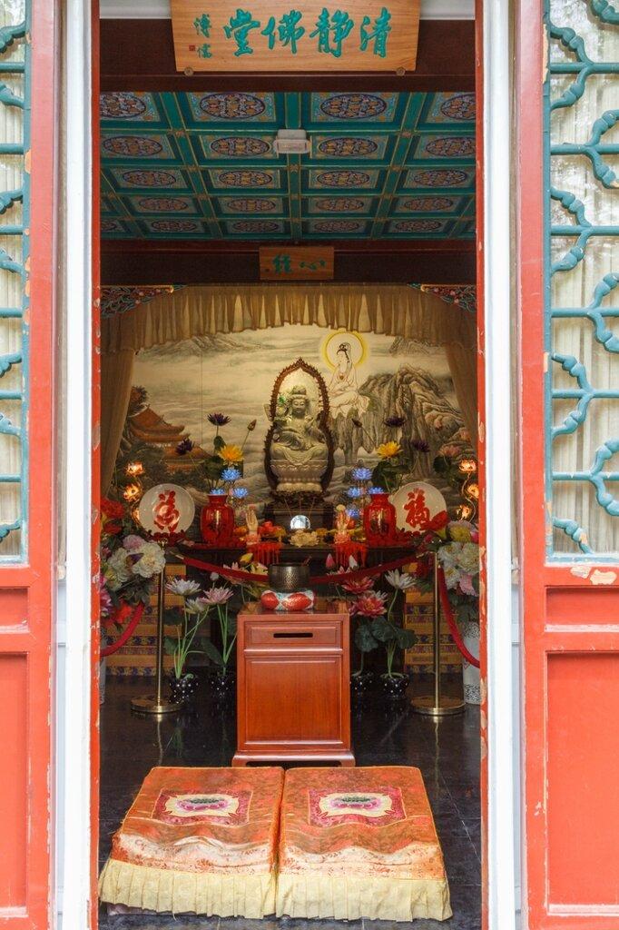 Буддийский храм, резиденция князя Гуна, Гунванфу, Пекин