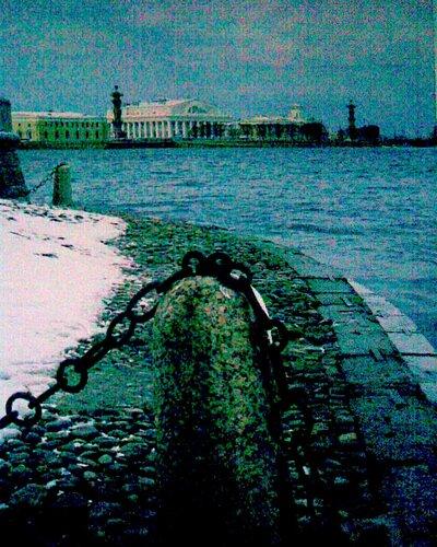 Вид на стрелку Василбовского острова от Дворцовой набережной
