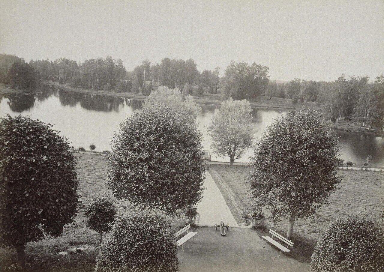 Вид парка в усадьбе Осиновая роща. 1895