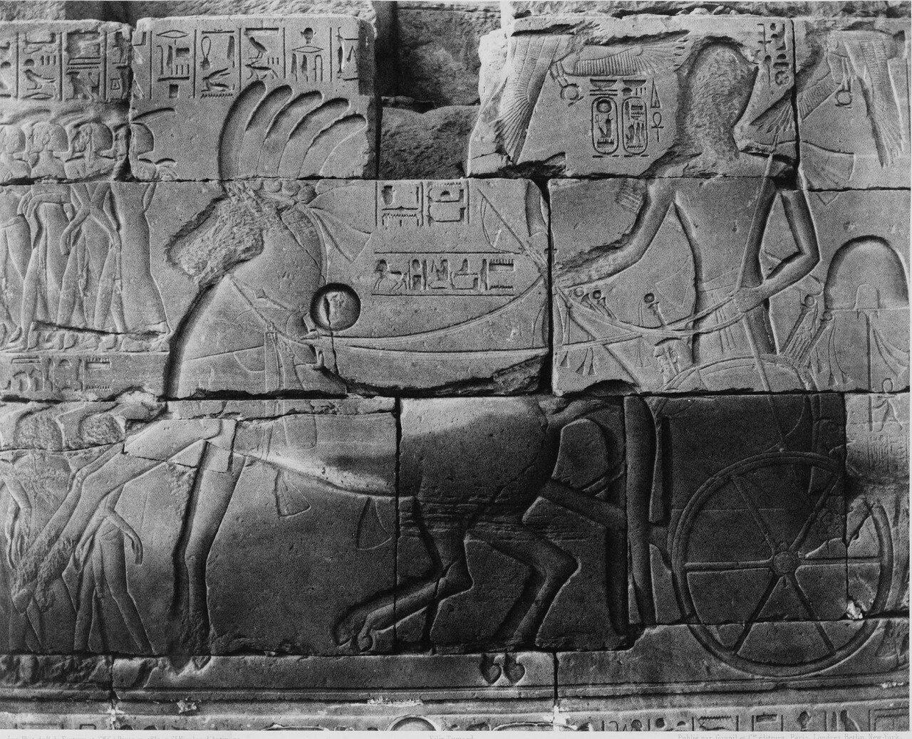 Карнак (Фивы). Роспись на стене храма. 1858