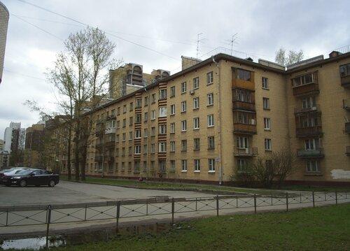 Варшавская ул. 17