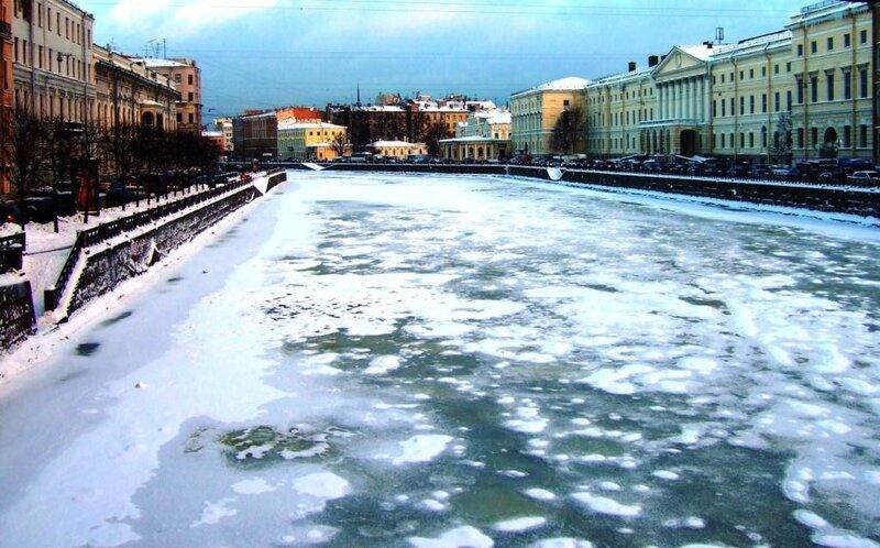 Фонтанка с Аничкова моста