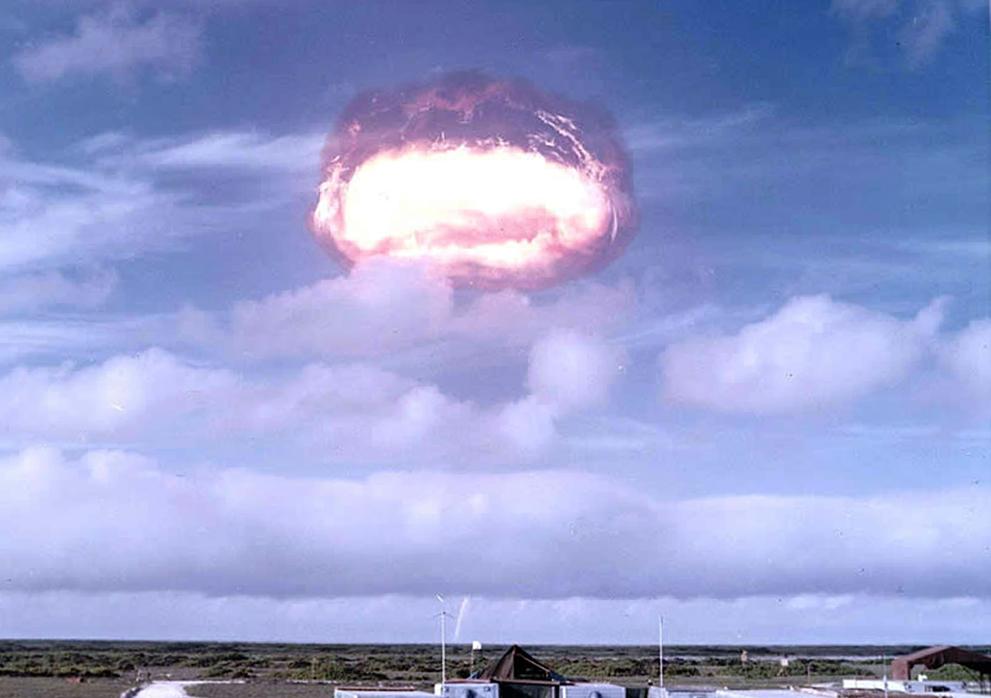 Картинки по запросу испытания ядерного оружия в США