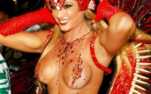 Карнавал в Рио 2012. Самое пикантное.