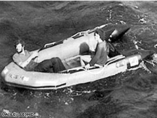 10 выживших в море