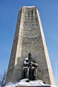 Монумент в честь 850-летия г. Владимира