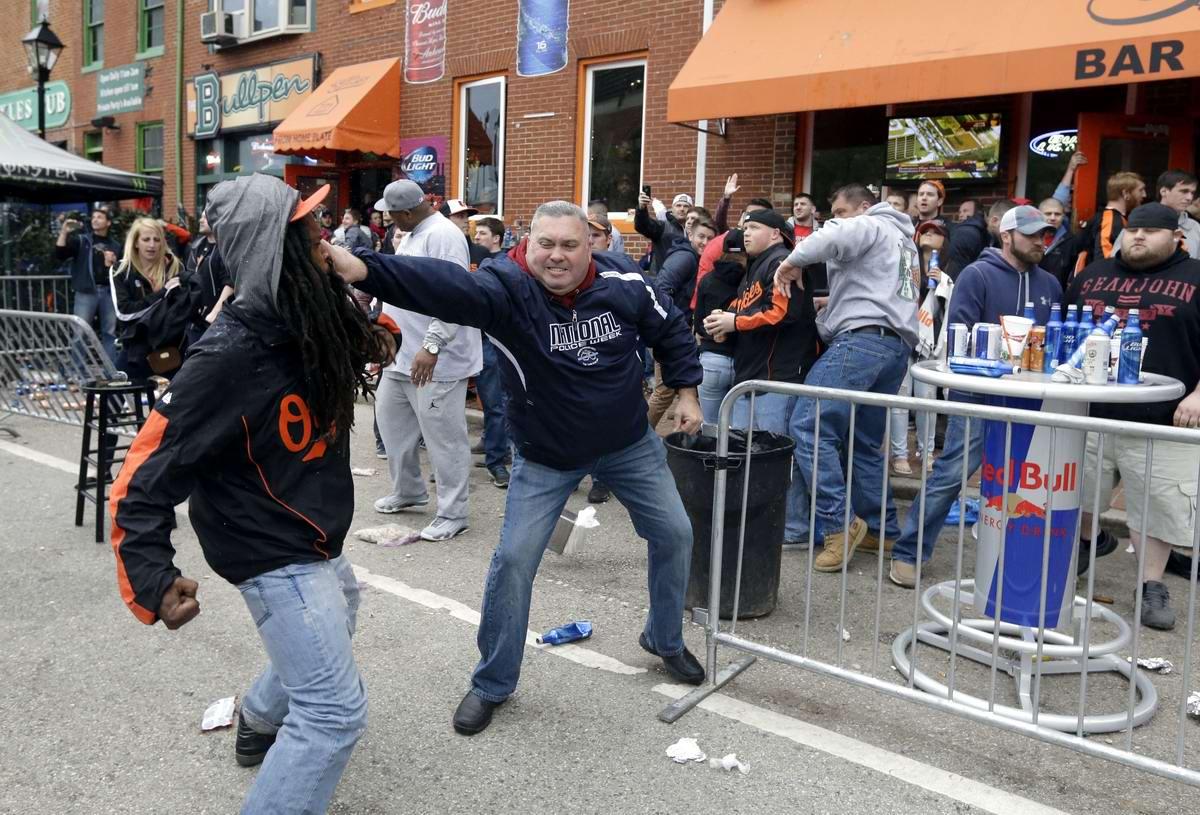 Конец полицейскому государству: Массовые протесты и уличные погромы в Балтиморе (США) (45)