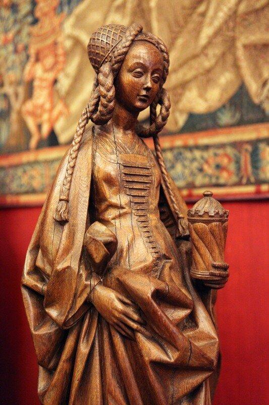 Музей средневековья, девушка