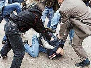 Жителя Владивостока избили и ограбили