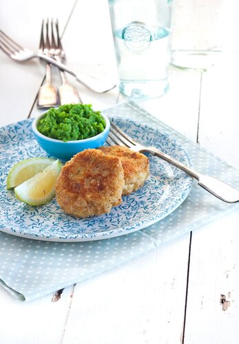 Cashew fish cakes with mushy minted peas