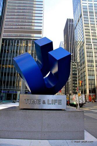 нью-йорк, странные памятники