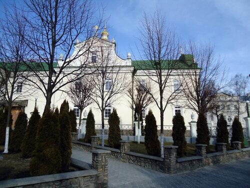Почаевская лавра. Одно из зданий в монастыре