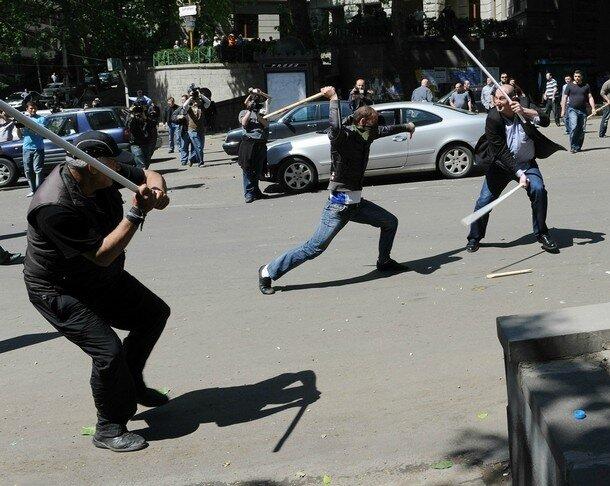 Тбилиси: сегодня - вчера Georgian opposition activists protest du