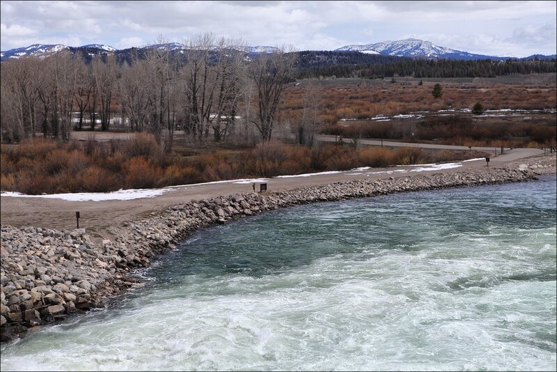 Дамба на Змеиной реке