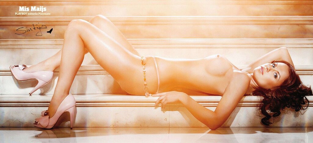 Синтия Артимовица / Sintija Artimovica in Playboy Latvia may 2011 - Большой постер 2800х1300 пикселей