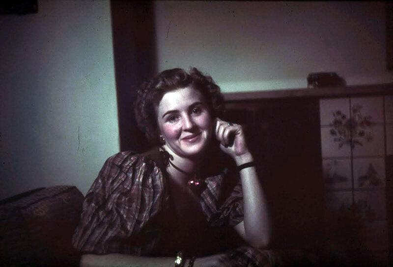 1939 Eva Braun3.jpg