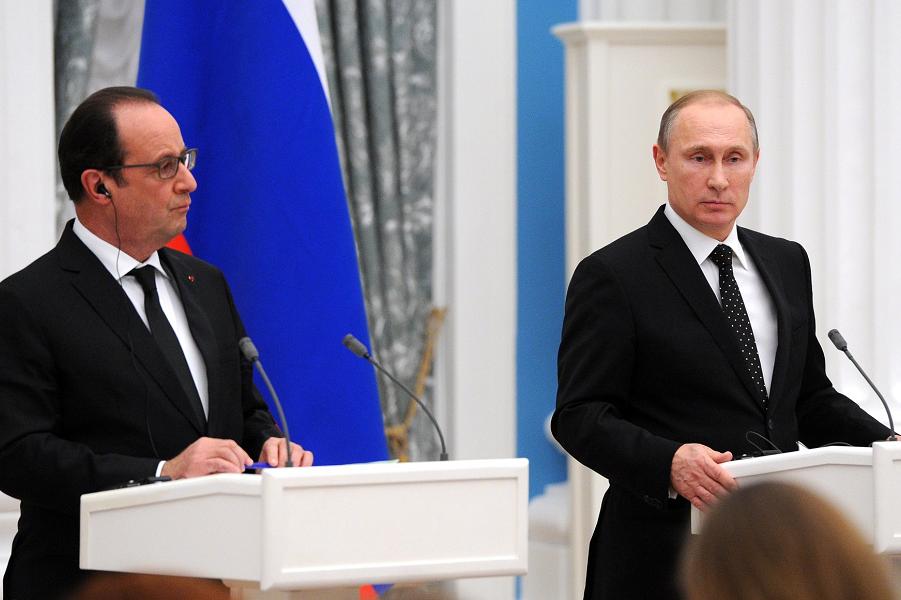 Пресс-конференция Путина и Олланда в Москве, 26.11.15.png