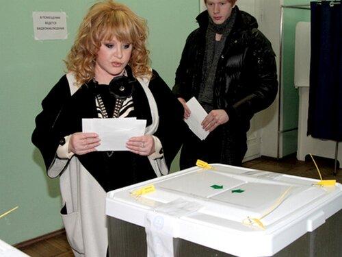 Алла Пугачева проголосовала на выборах президента-2012