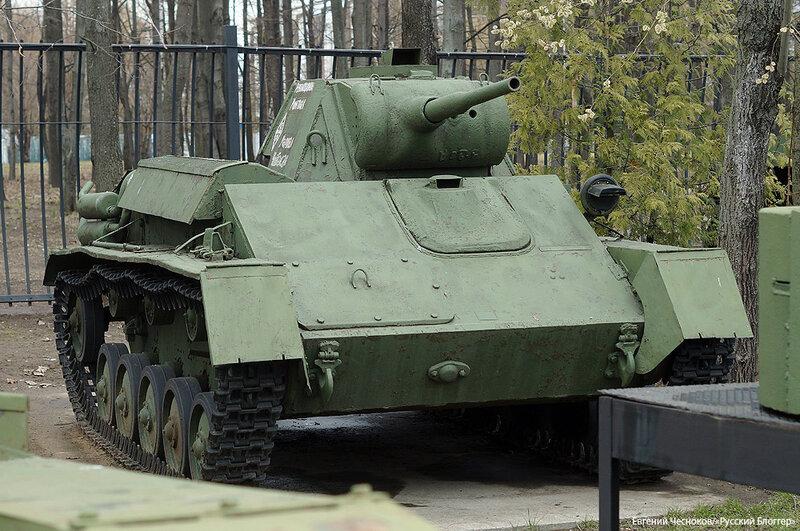 43. Музей ВОВ. 21.04.15.71. танк Т-70Б 1942-1943..jpg