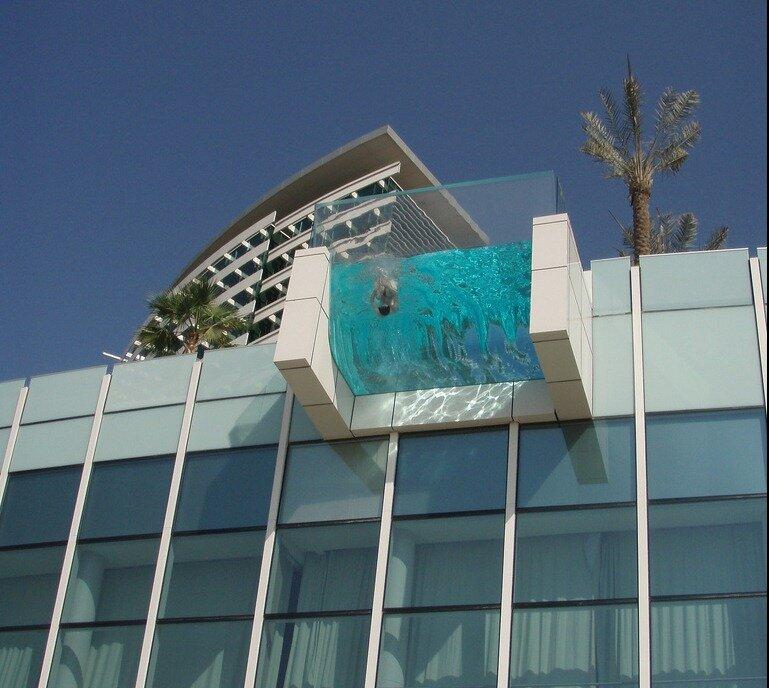 подвесной бассейн