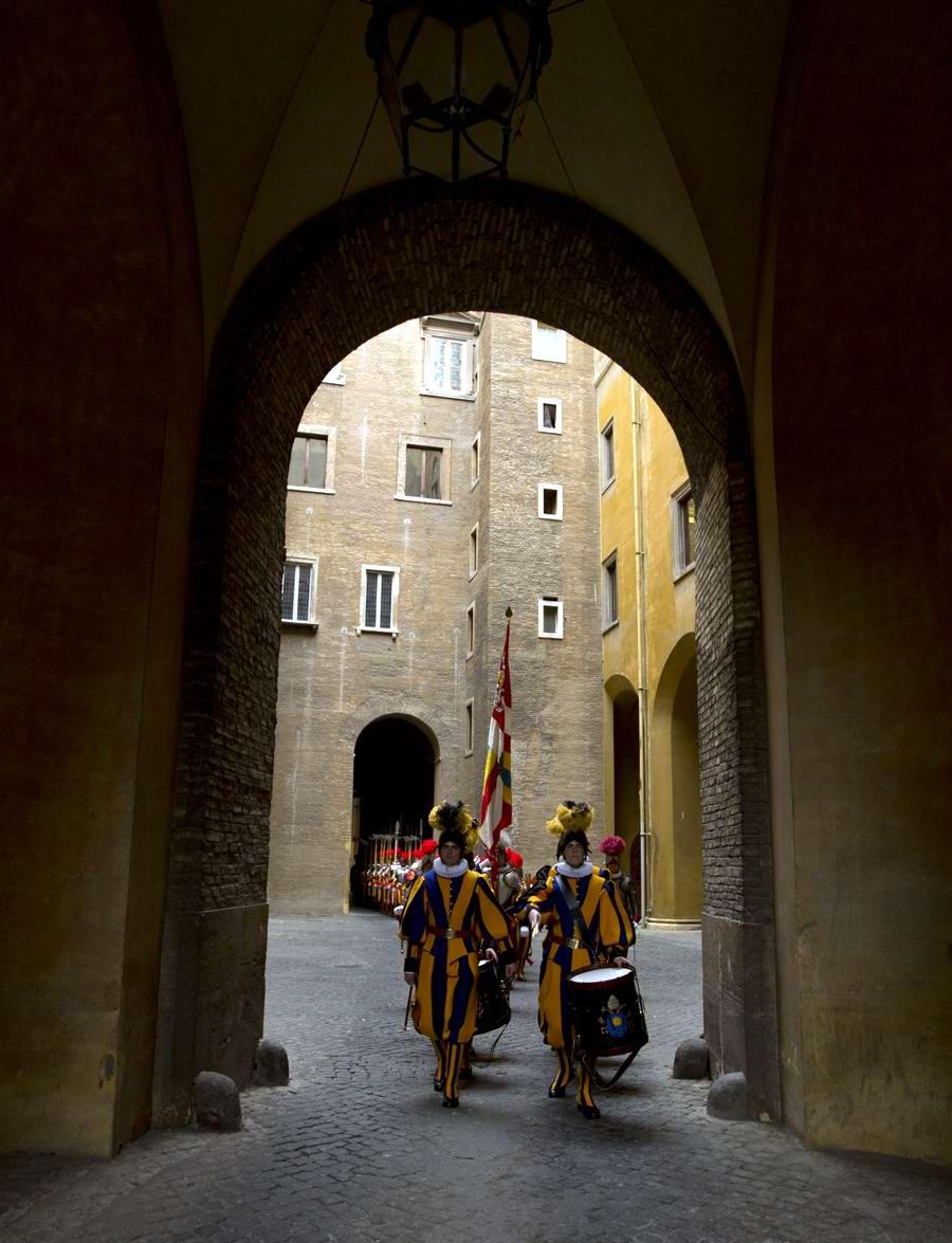 Швейцарская гвардия Ватикана: Новобранцы присягают на верность Папе Римскому (7)