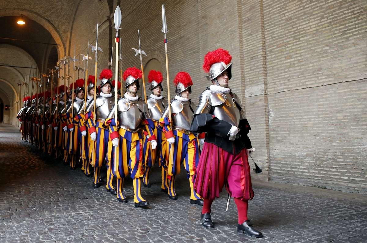 Швейцарская гвардия Ватикана: Новобранцы присягают на верность Папе Римскому (8)