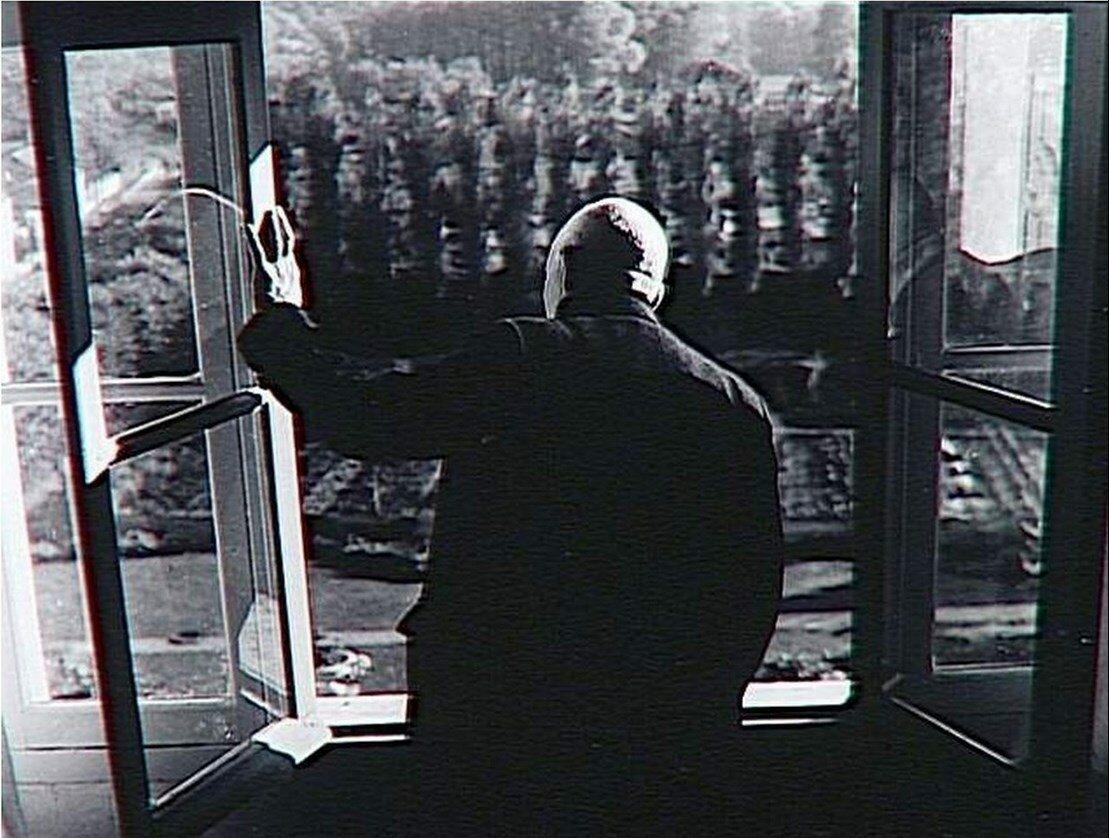 1960. Канвейлер возле окна