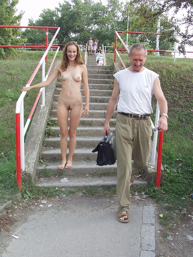 прогулка голышом