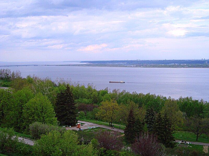 Волга весной