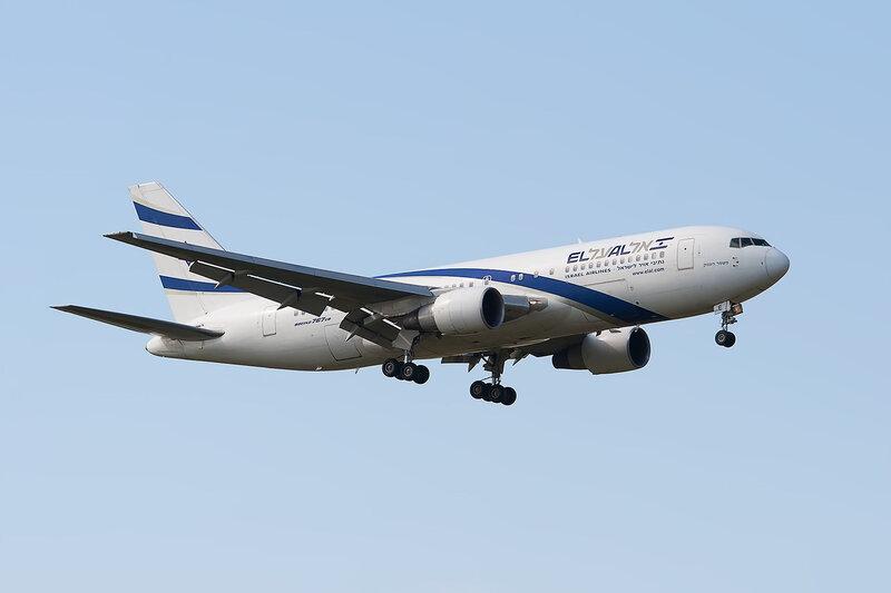 Boeing 767-27E\ER (4X-EAE) El Al DSC2845a