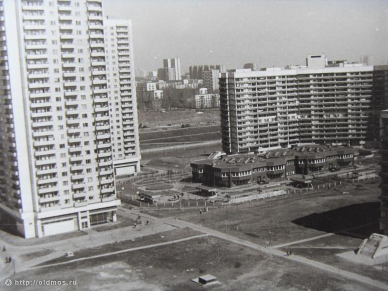 Северное Чертаново, вид на дома 3А, 3В, 2 корпус 206, 205, ясли-сад 1281 из дома 4 корпус 404 1987