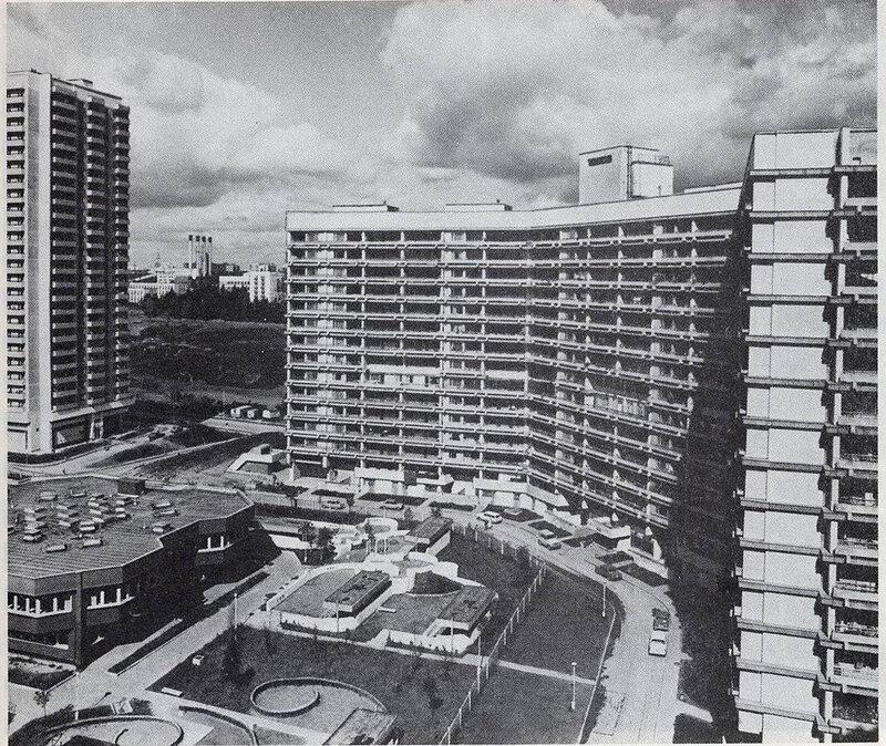 Вид с верхних этажей дома №2 корп. 202 на детсад 1281, дом 3В.