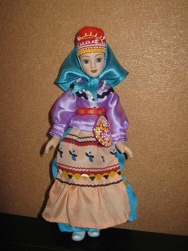 Куклы в народных костюмах №84 Кукла в женском костюме саамов