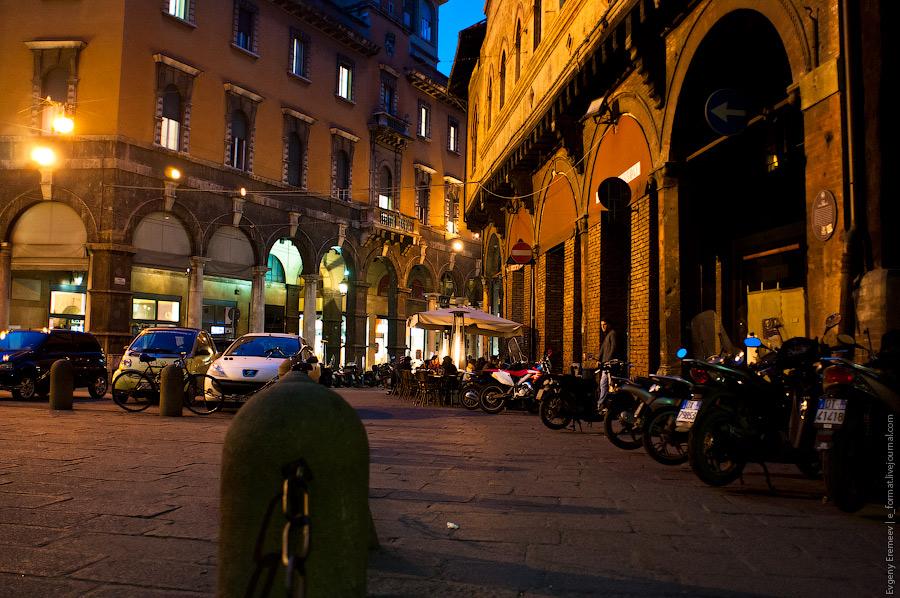 в уличной кафешке можно увидеть вертикальный светящийся столбик