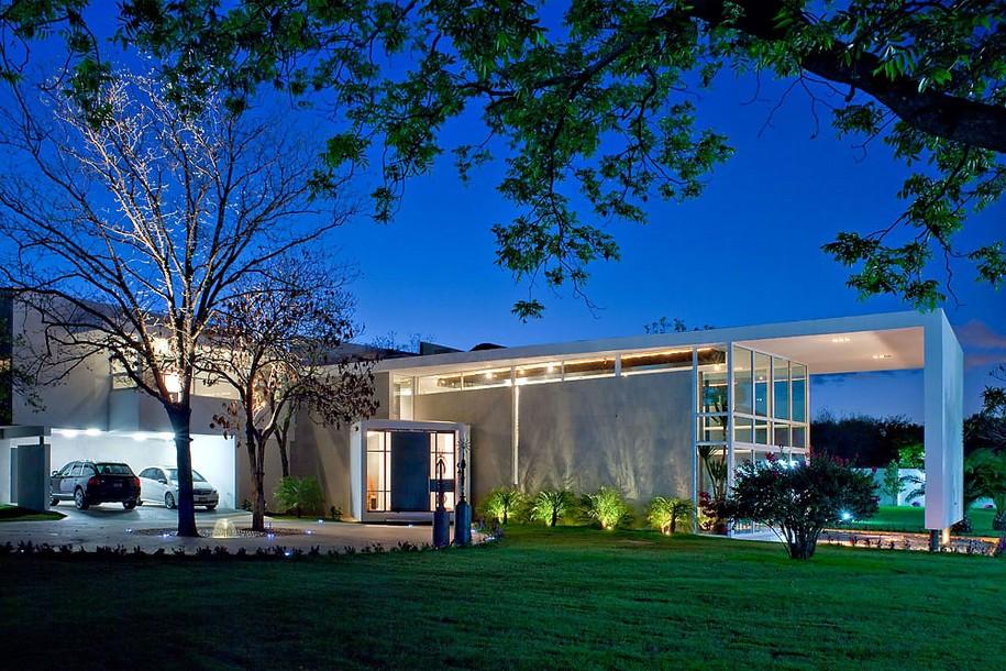 Роскошный Uro House в Мексике от 7XA Taller De Arquitectura