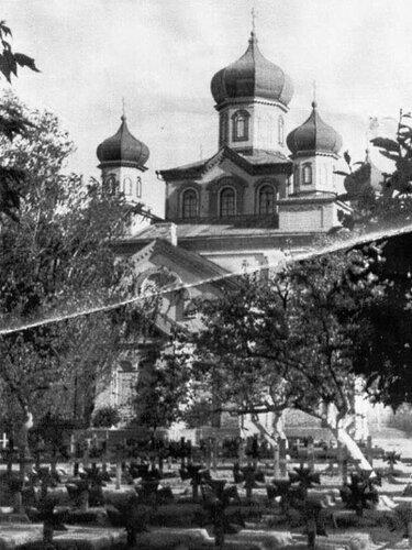 Кладбище немецких офицеров у стен собора
