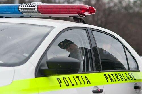 Патрульные инспекторы были задержаны при получении взятки