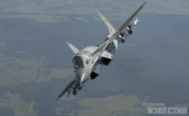 Истребители МиГ-29СМТ отстреляются ракетами вЛенинградской области